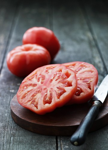 A sliced beef steak tomato