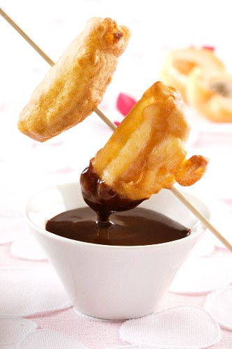 Chocolate fondue with battered fruit