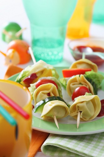 Tortellini and vegetable kebabs