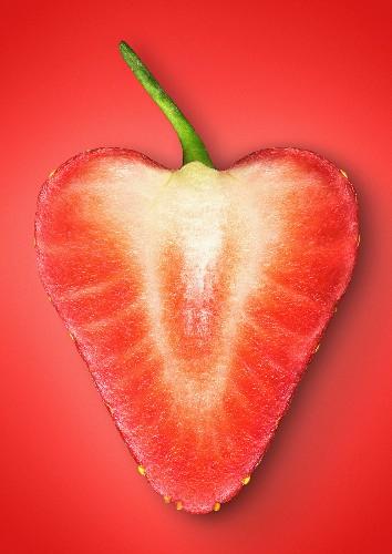 A heart-shaped wreath of Alpine strawberries
