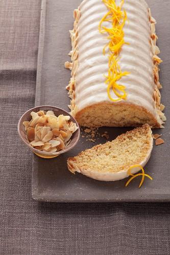 Orange cake with almonds