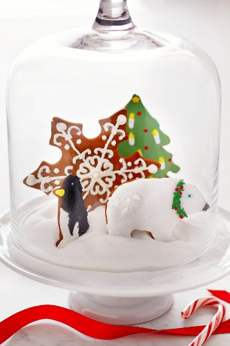 """Christmas Cookies in """"Snow"""" Under a Glass Dome Lid"""