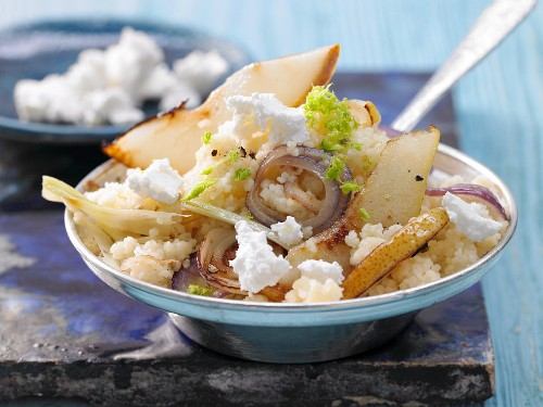 Couscous with fennel, pear and goats' cheese