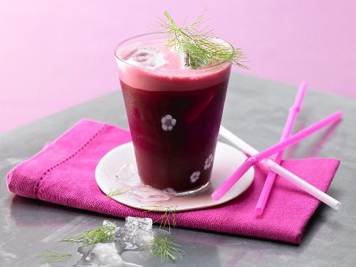 Beetroot drink with carrot and fennel