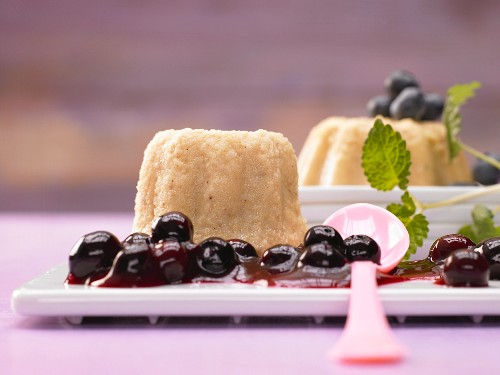 Semolina pudding with blueberry compote