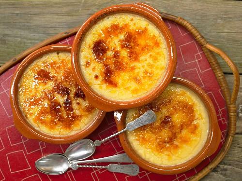 Crème brûlee made with egg yolk, bay laurel leaves and lemon zest
