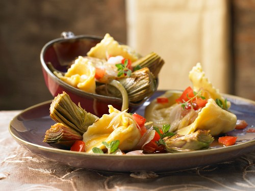 Goats cheese tortellini with artichokes