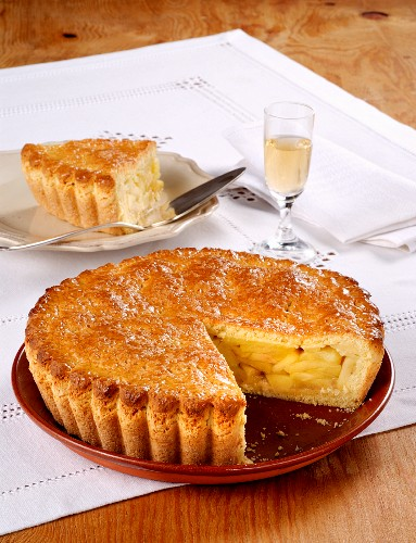 Italian apple pie