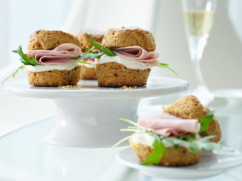 Cheddar and chilli scones with cooked ham and cream cheese