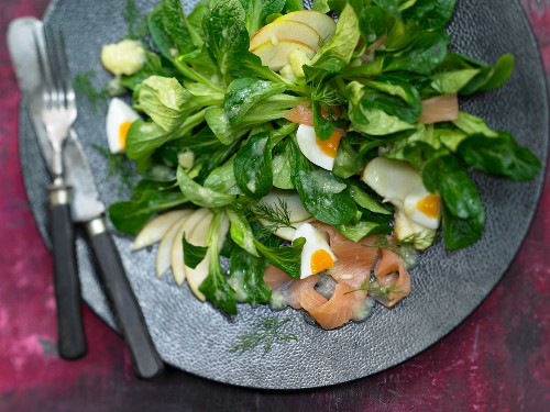 Smoked salmon with lambs lettuce