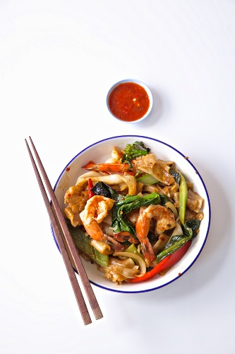 Shrimp with greens and sauce China