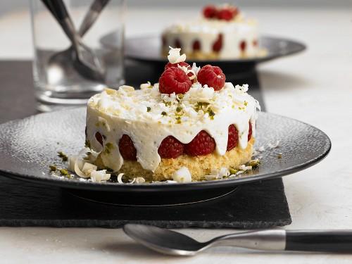 Raspberry and yoghurt tarts