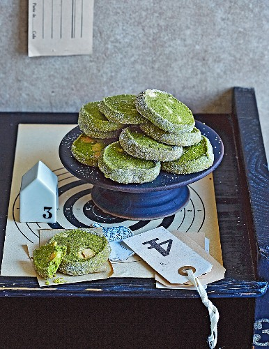 Quick and easy matcha tea cookies with white chocolate for Christmas