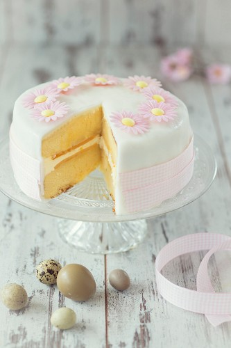 Easter cake with pink fondant flowers