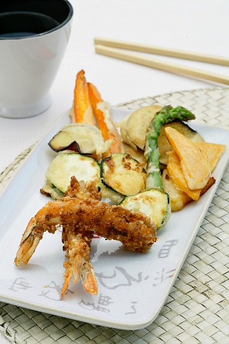 Scampi with a cornflake coating and vegetable tempura