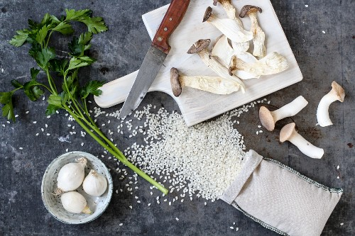 Ingredients for mushroom risotto