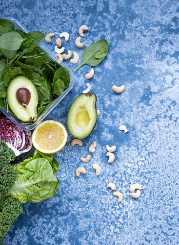 Avocado, spinach, lemon, cashew nuts, kale and red chicory