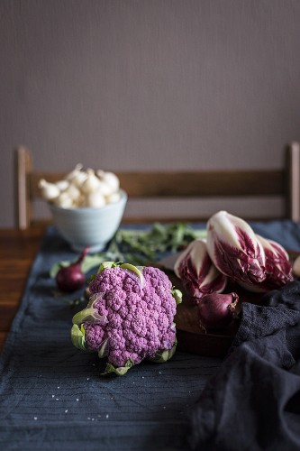 Purple cauliflower, radicchio and onions