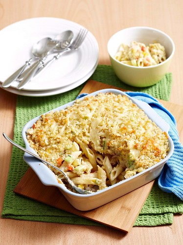Pasta bake with tuna and morel sauce