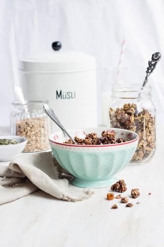 Homemade healthy granola with dates and pumpkin seeds (sugar-free, vegan)