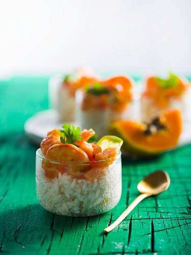 Rice with shrimp and papaya