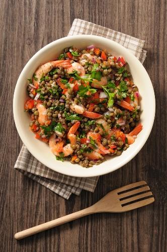 Lentil salad with prawns