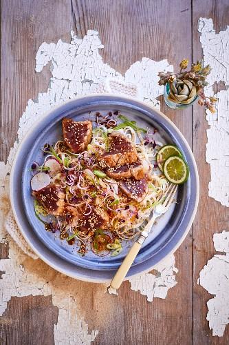 Seared tuna and noodle salad