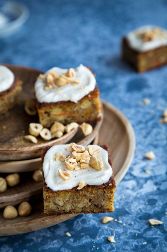 Iced carrot cake with hazelnuts
