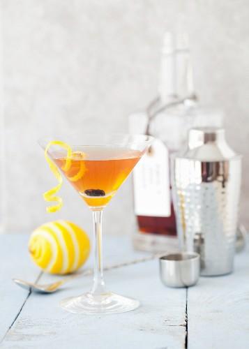 Vodka Martini flavoured with raisin cinnamon nutmeg apple and lemon
