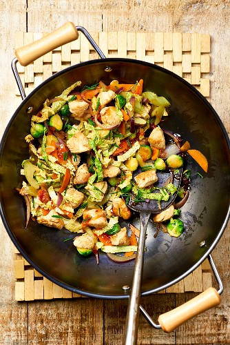 Chicken with vegetables in a wok