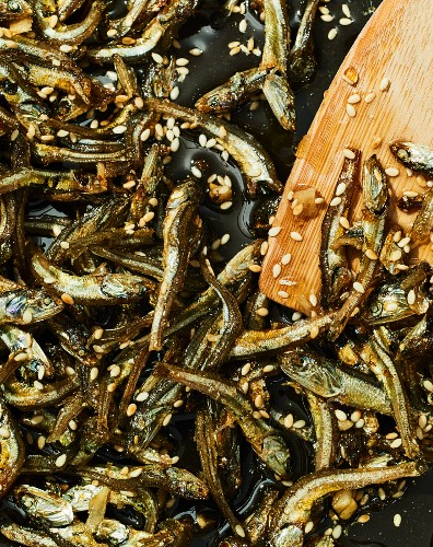 Myeolchi bokkeum - fried anchovies with soy sauce and sesame seeds (Korea)