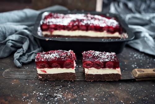 Cherry and coconut tin cake (vegan)