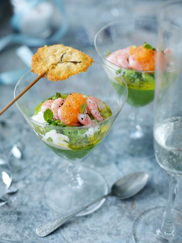 Shrimpscocktail mit Parmesan-Lolli