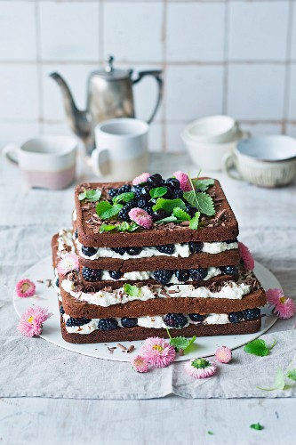 Black Forest-style blackberry cake with cherries