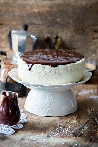 Bird milk cake (cream cake, Russia)
