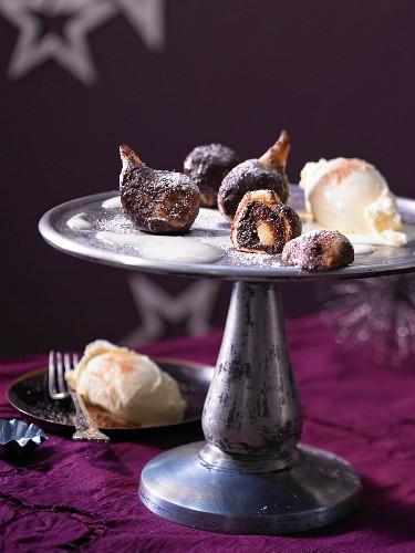 Baked plums with cinnamon ice cream (Christmas dessert)