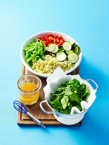 Zutaten für Reis-Erbsen-Salat mit Orangendressing