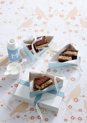 Chocolate Honeycomb Ice-cream Slice