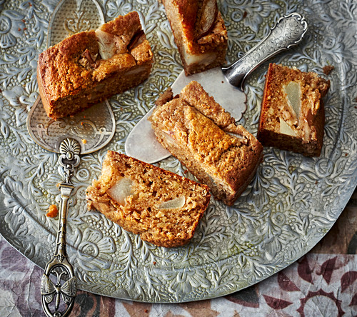 Cake Golabi – spiced Persian nashi pear cake