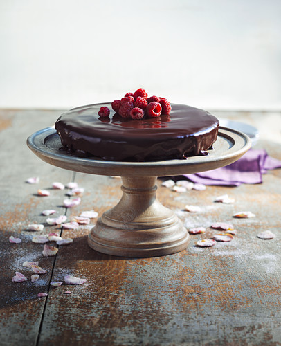Chocolate cake and raspberries