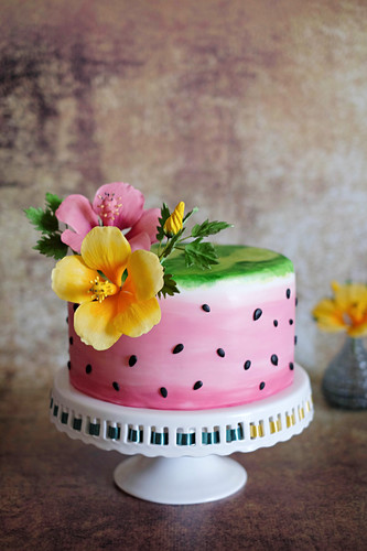 Watermelon cake with poppy seeds and grapefruit