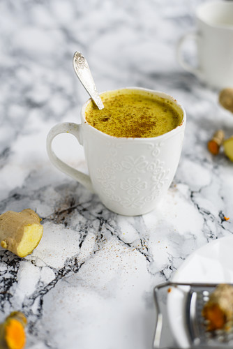 Nut milk with turmeric, ginger, cinnamon and honey