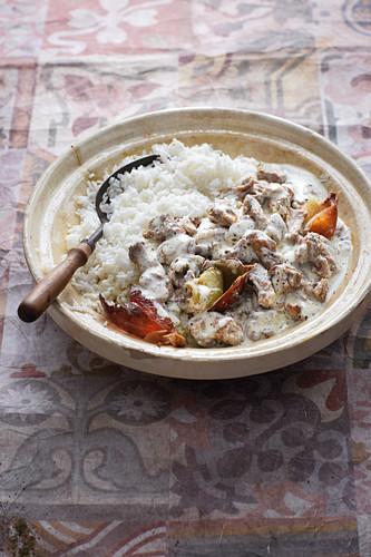 Shakreyeh (meat in a yoghurt sauce with oriental spices, Syria)