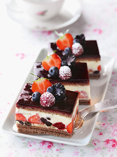 Berry slices with Cointreau cream