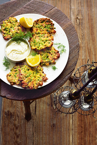 Pea, zucchini and halloumi fritters