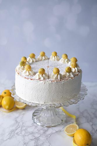 A lemon cream cheesecake