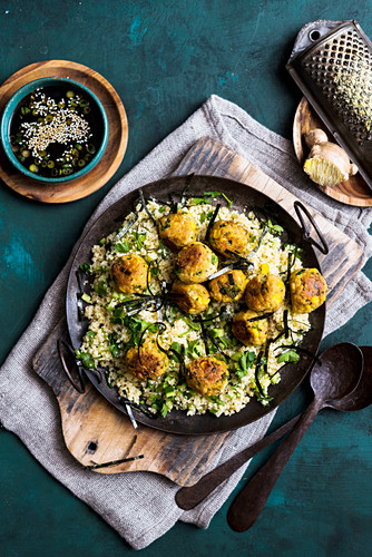 Tofu balls on bulgur salad (vegan)