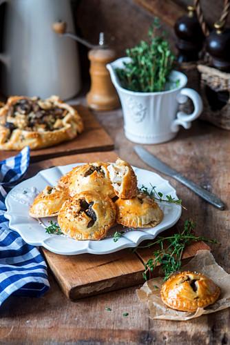 Mushrooms hand pies