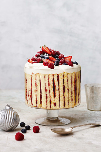 Mixed berry and vanille bean trifle