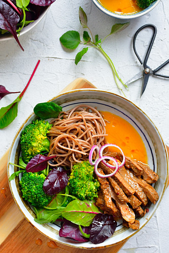 Soba noodles with beef broccoli and sauce (Asia)
